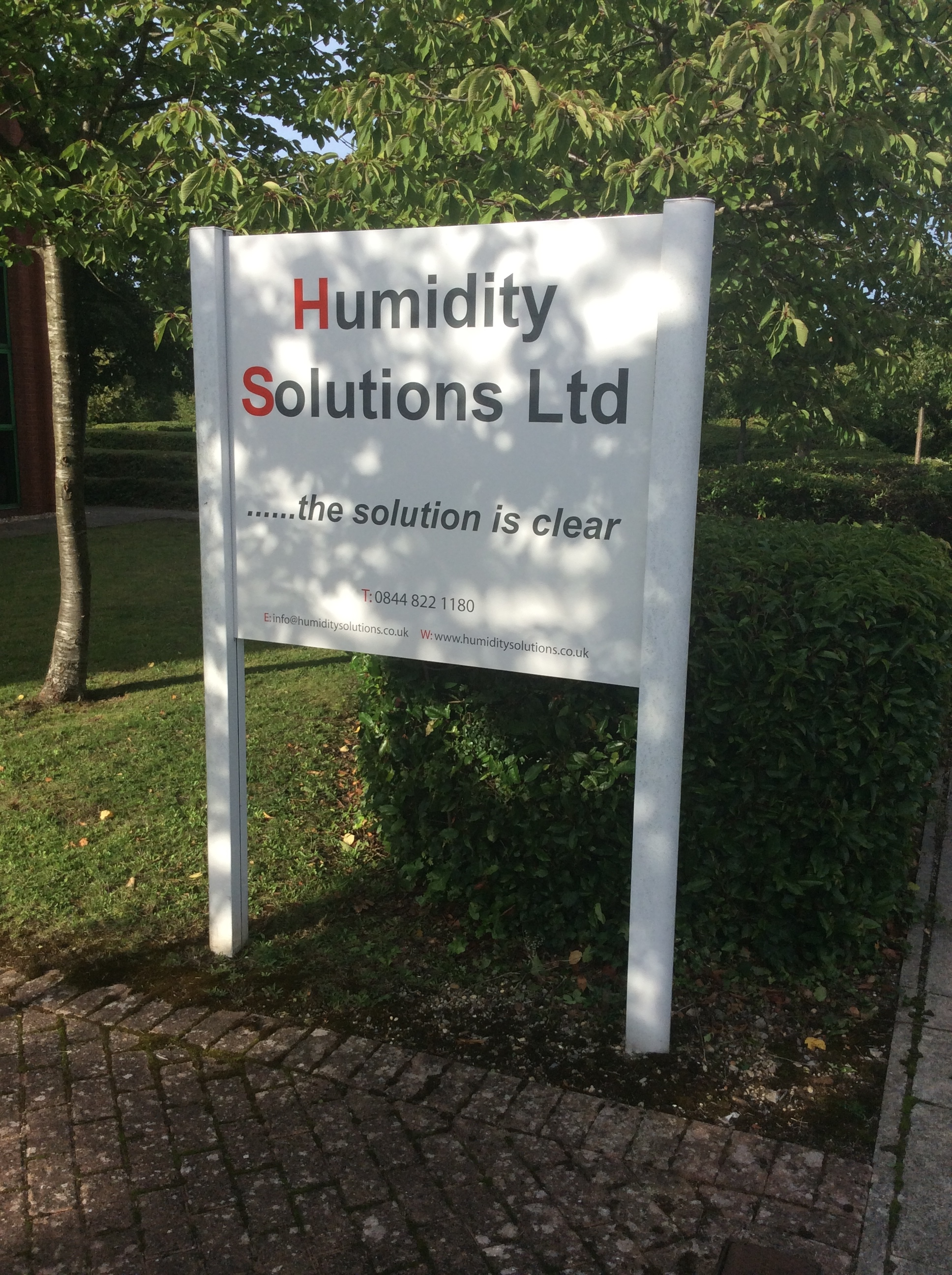 humidity-solutions-signage